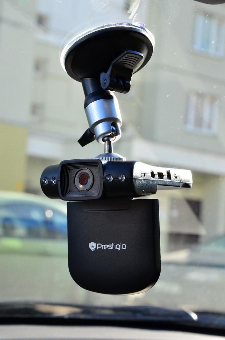 Видеорегистратор roadrunner hd1