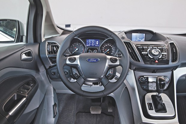 центральная вчтавка ford c-max
